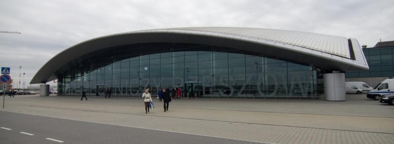 Международный аэропорт Жешув-Ясенки, Польша